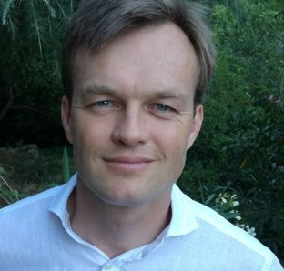 Hans - interim financieel directeur